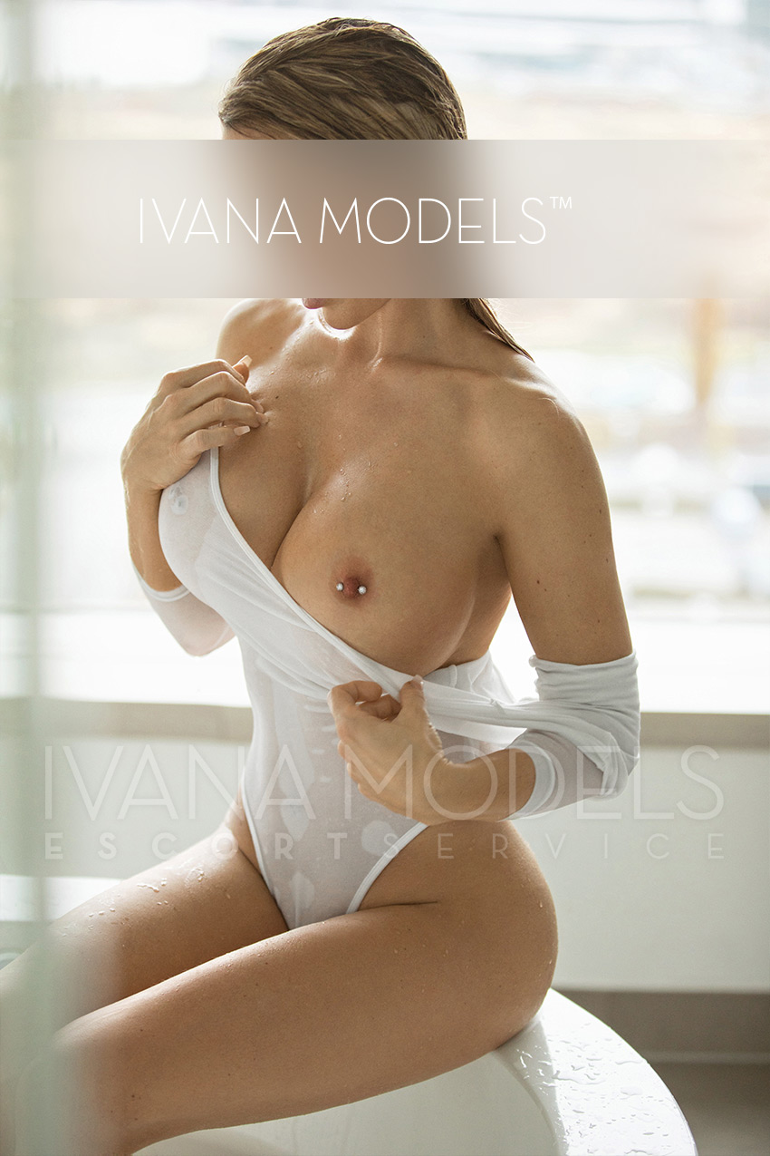 Escort ladies do not work as their main occupation but as a part-time job - Eve - escort agency Cologne