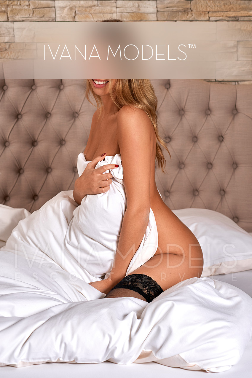 Girlfriend experience with Mika escort in Berlin