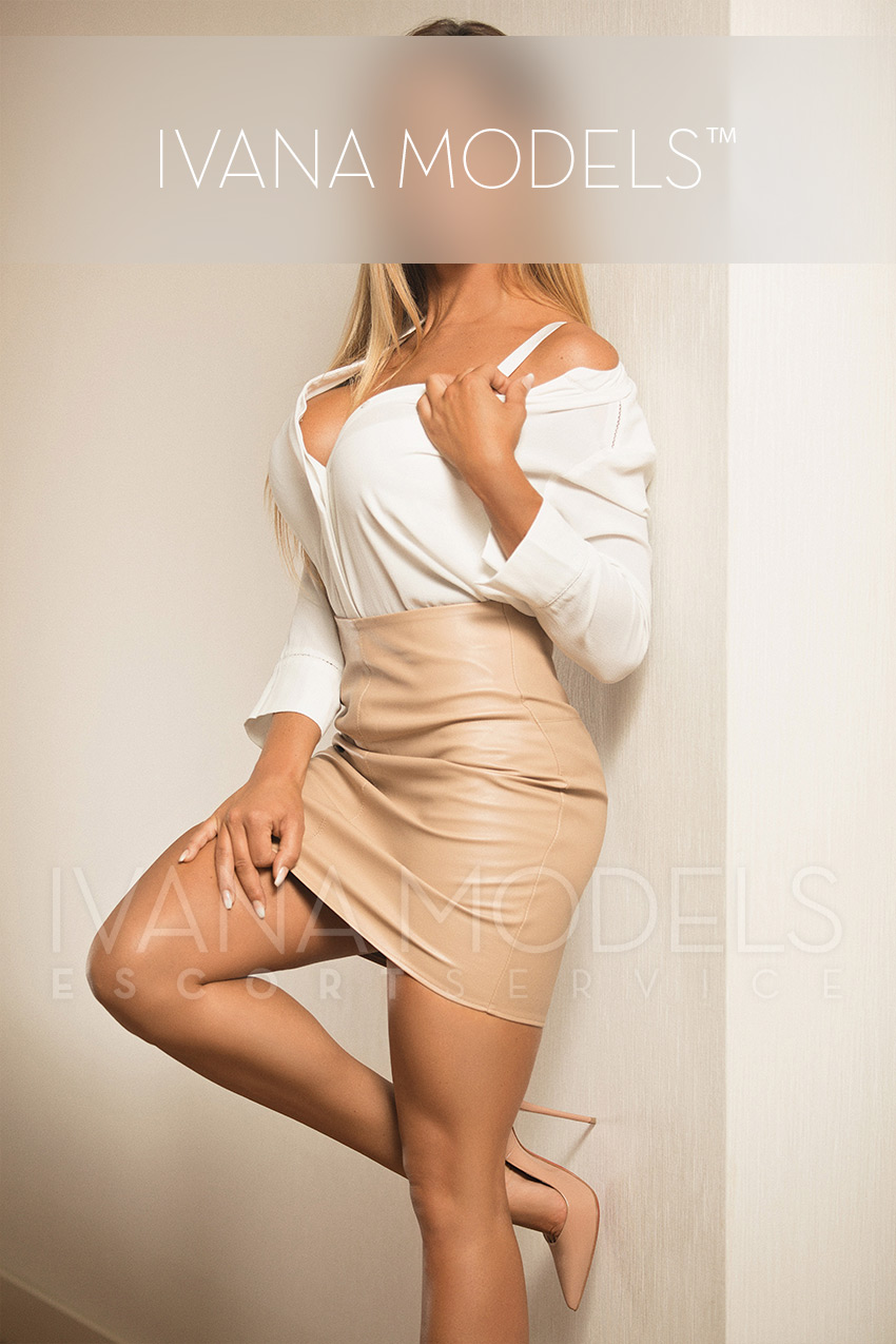 Book your sensual adventure now with Ivana Models escort agency Dusseldorf - Nicky