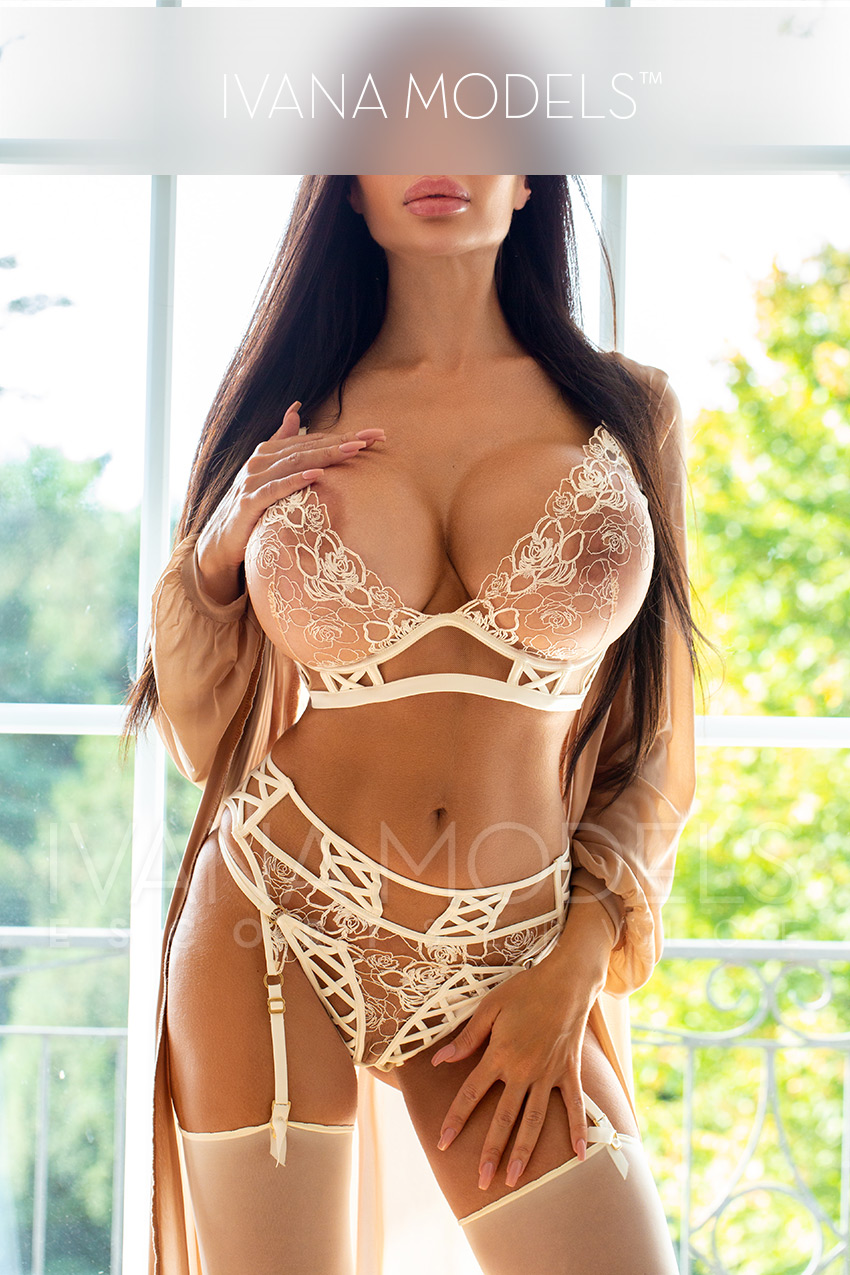 Sensual escort date with Sofia in Zurich