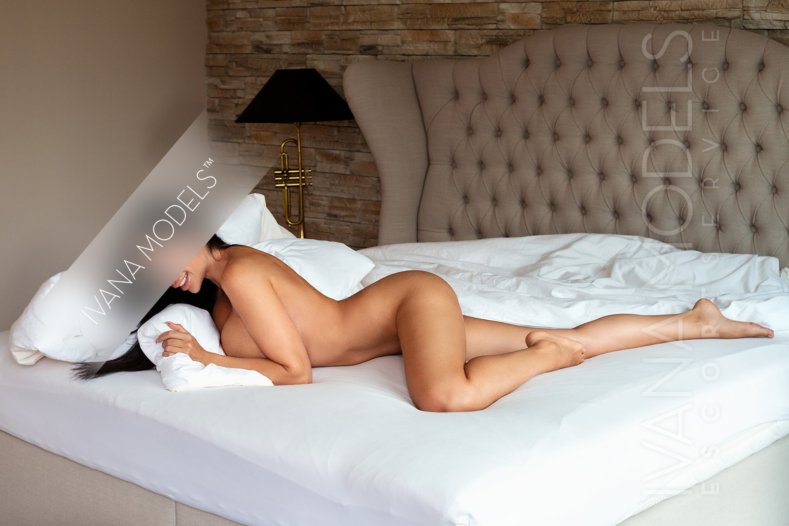attractive and sophisticated escort lady Sofia by Ivana escort agency Switzerland