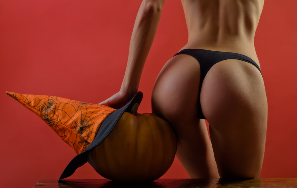 Experience-Halloween-2019-with-the-premium-escort-lady - Article image